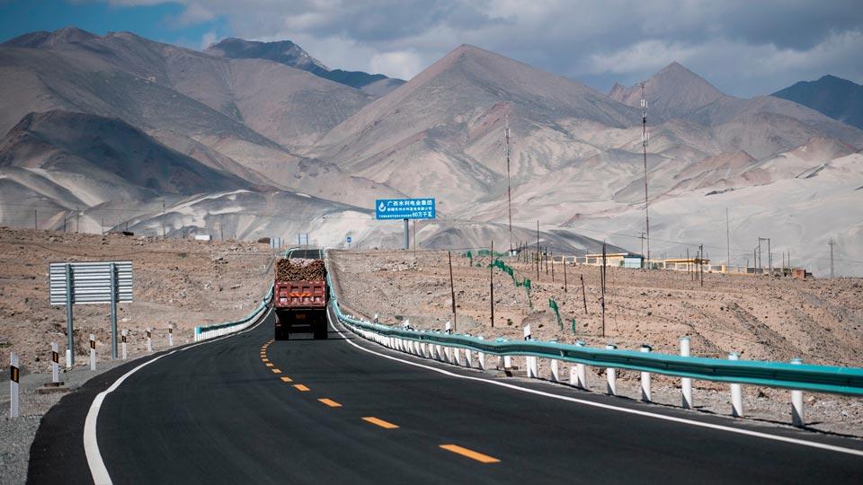 راهکارهای حل مشکلات حمل و نقل جاده ای